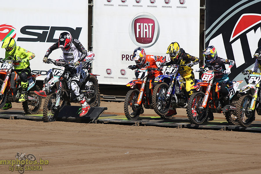 Start MX2 Race2 Brent VAN DONNICK